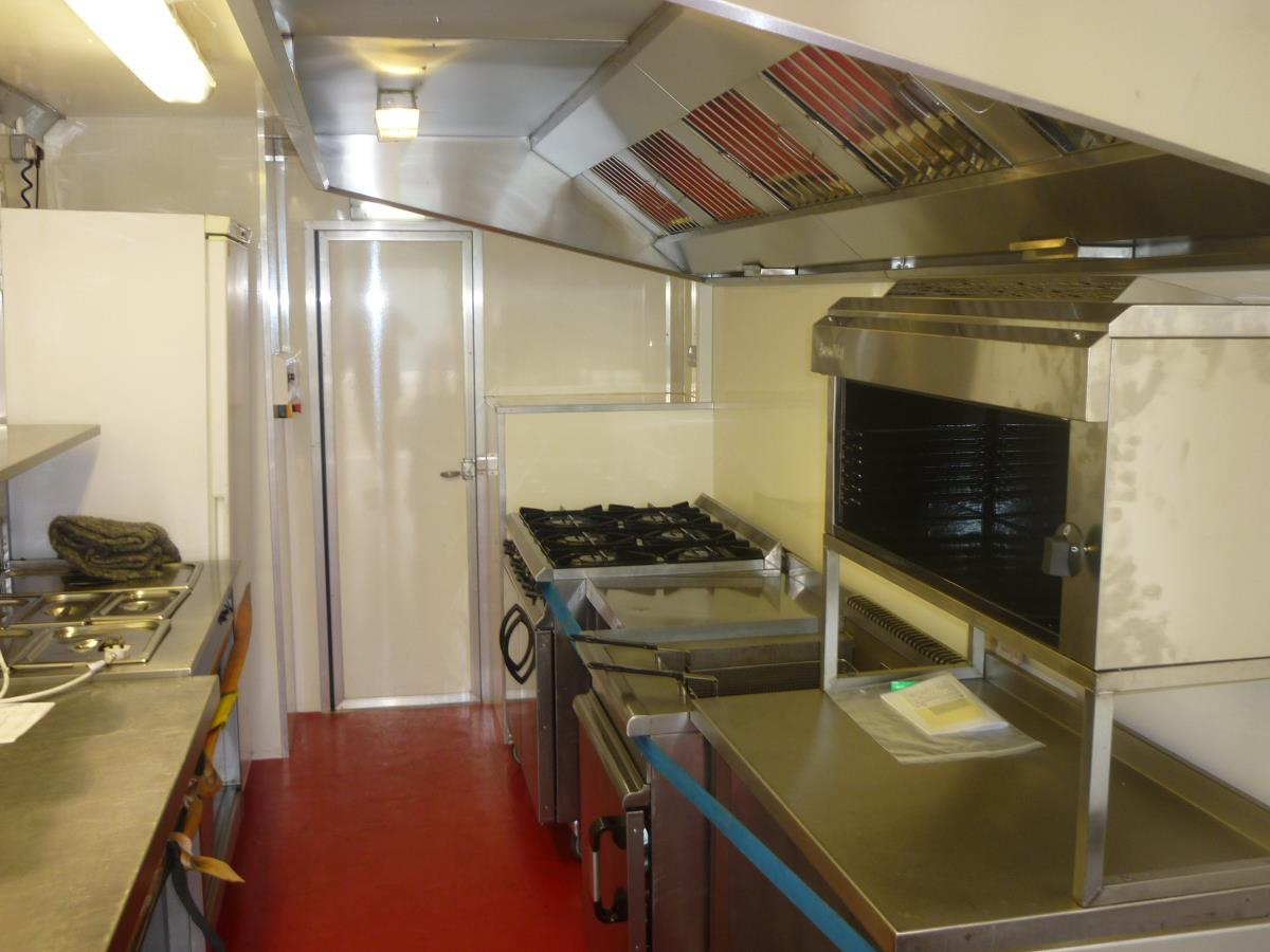 With a generous serving hatch, our takeaway trailer kitchen can be equipped to suit your exact catering requirements.